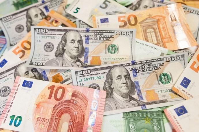 Національний банк України скасував обов'язковий продаж валюти бізнесом